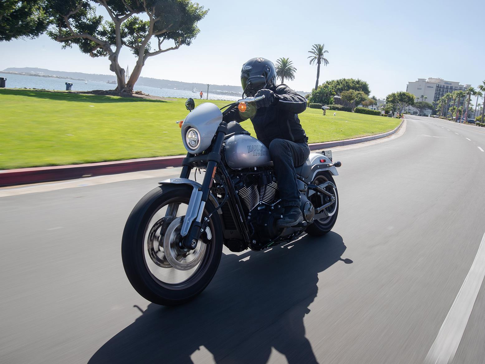 Harley-Davidson Lowrider S front quarter