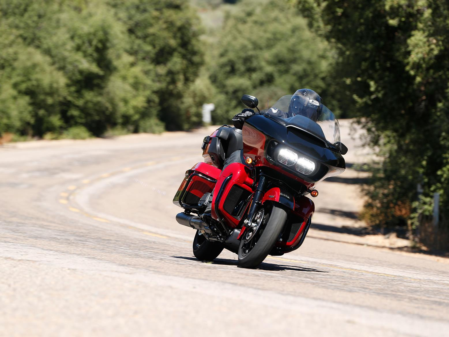 Cornering on the Harley-Davidson Road Glide Limited