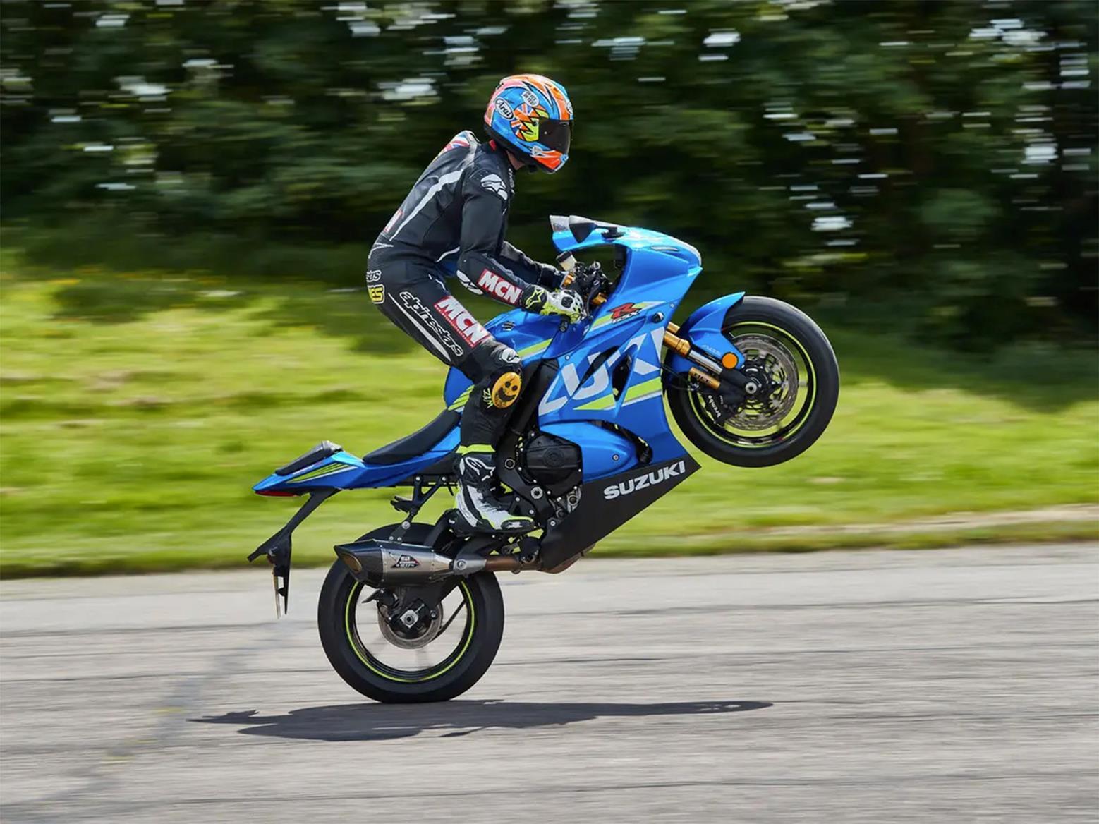 Suzuki GSX-R1000 wheelie