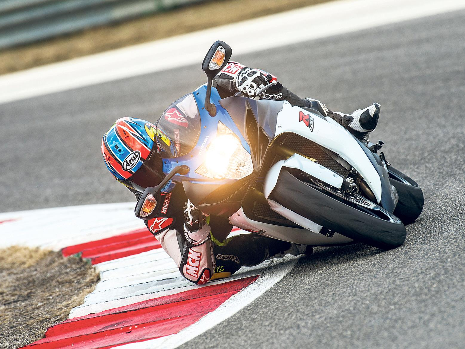 Suzuki GSX-R750 on track