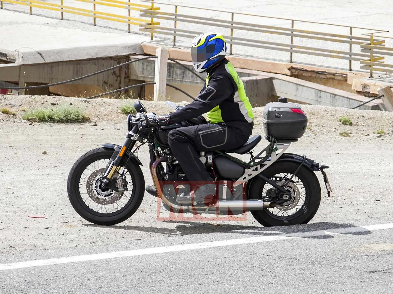 Triumph Bobber TFC spotted in testing