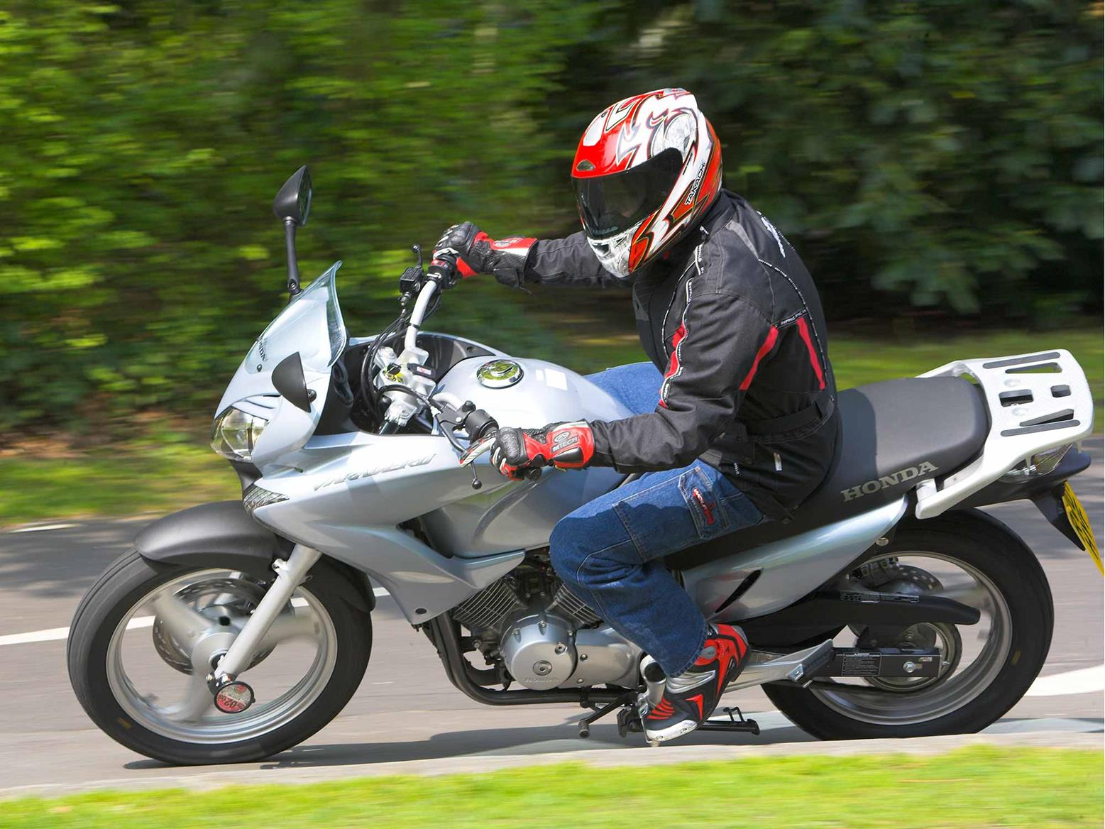Cornering on the Honda Varadero 125