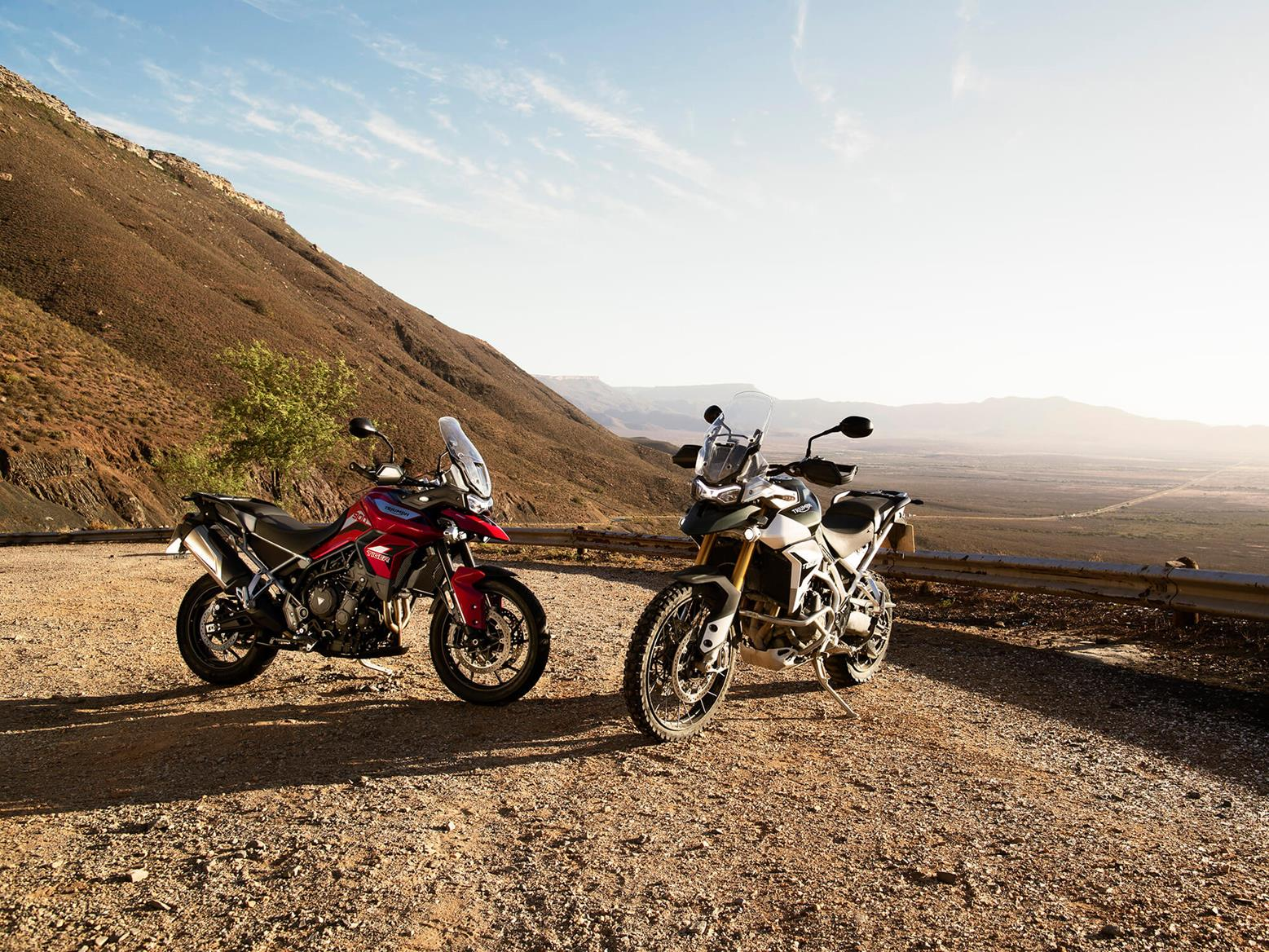 Triumph Tiger 900 GT Pro and Rally Pro sat together