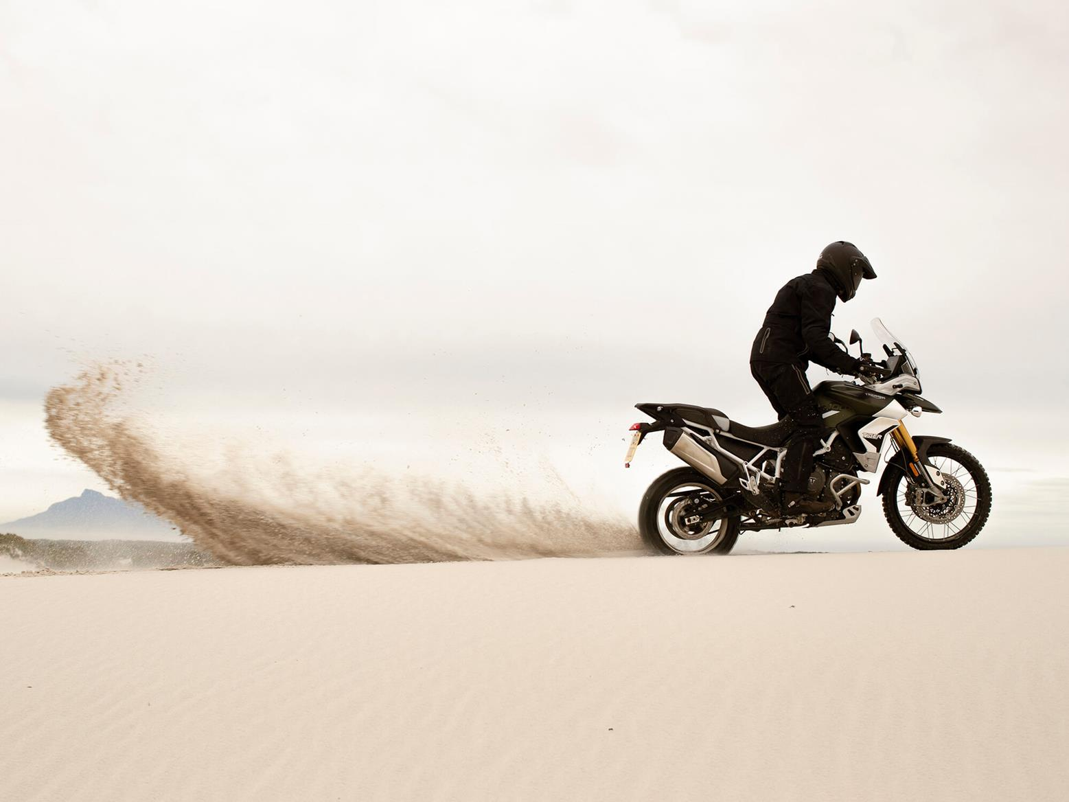 Rooster tail in the desert on the 2020 Triumph Tiger 900