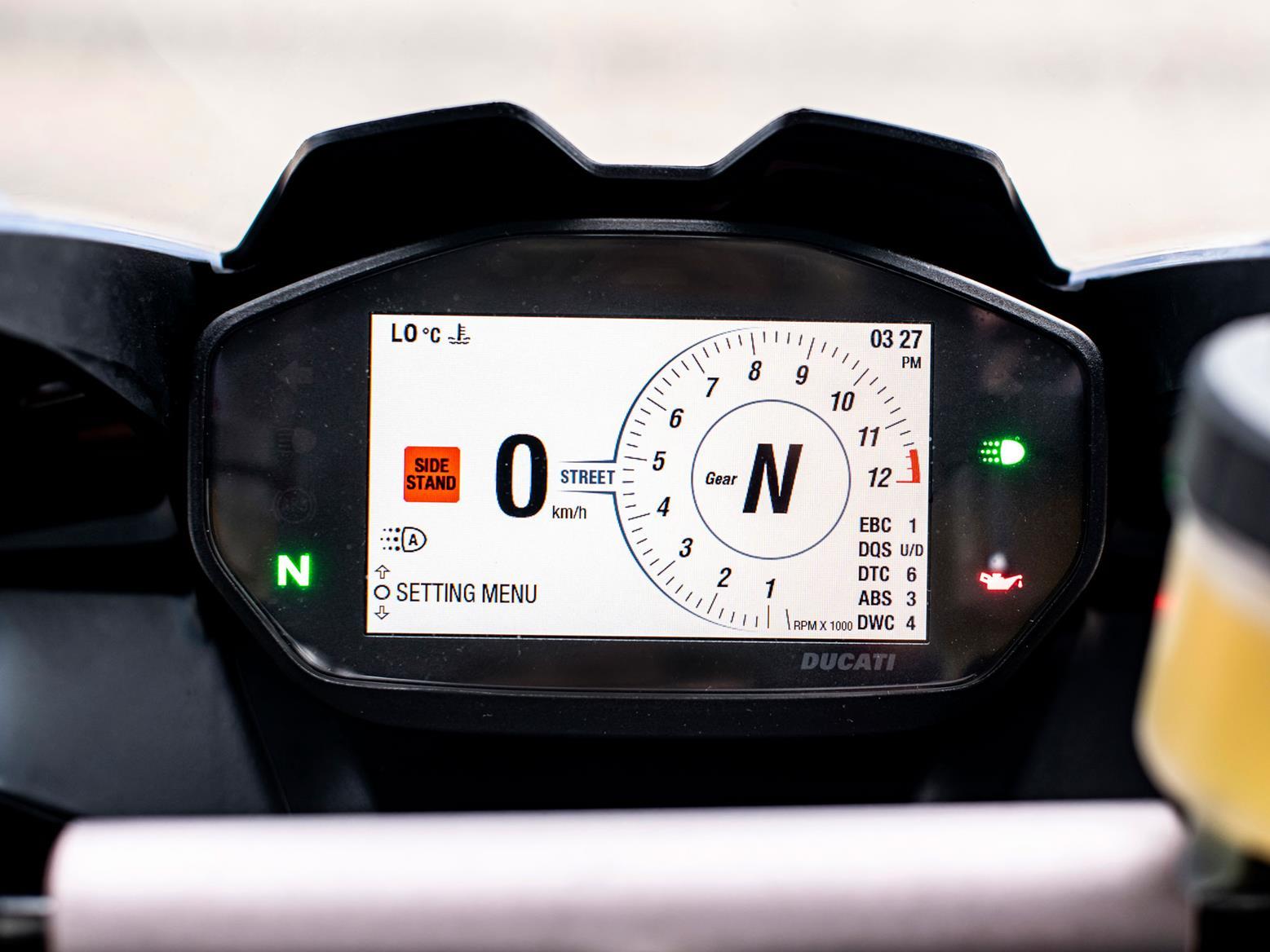 Ducati Panigale V2 TFT screen