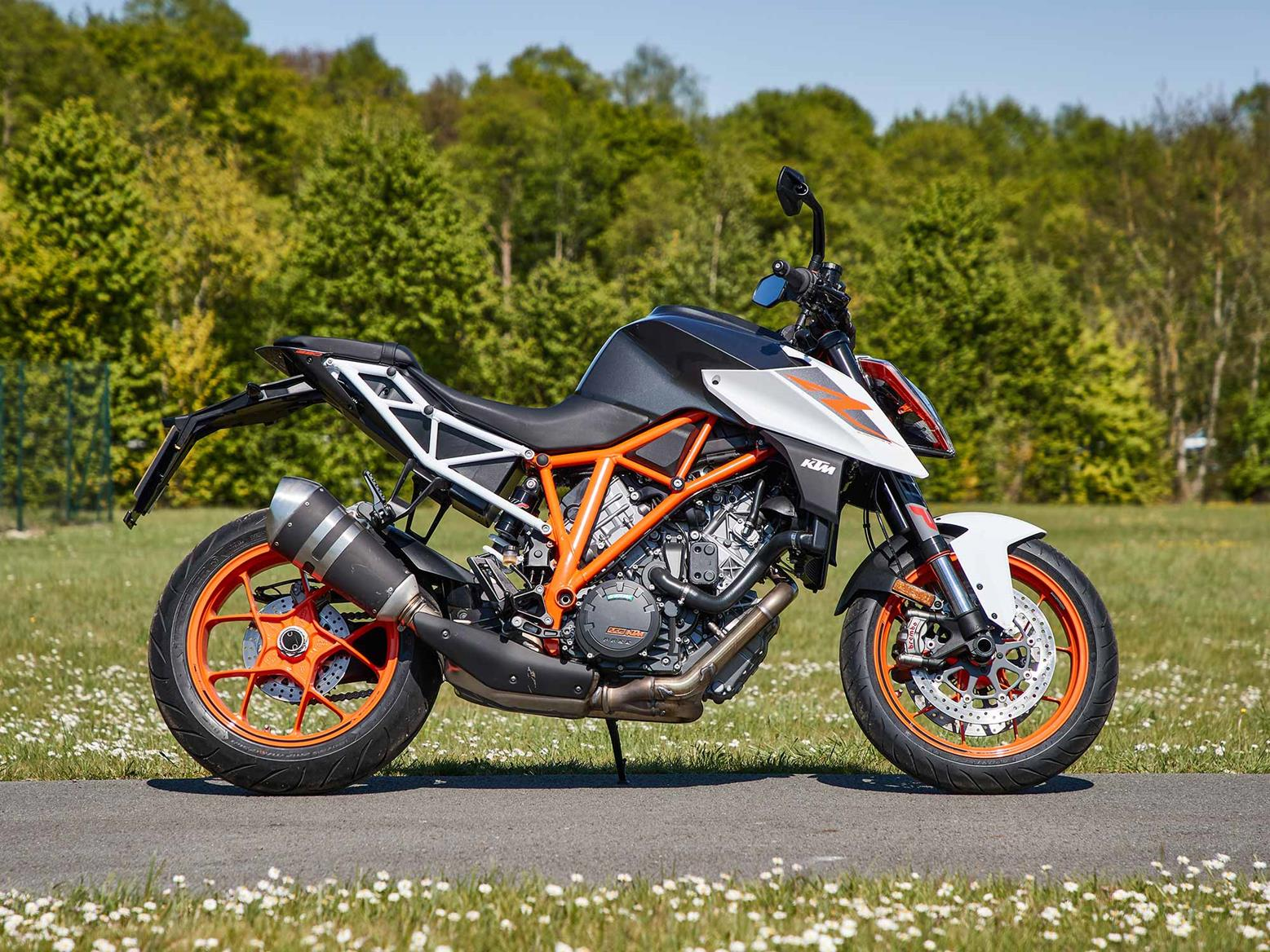 A side-on view of the 2017 KTM 1290 Super Duke R