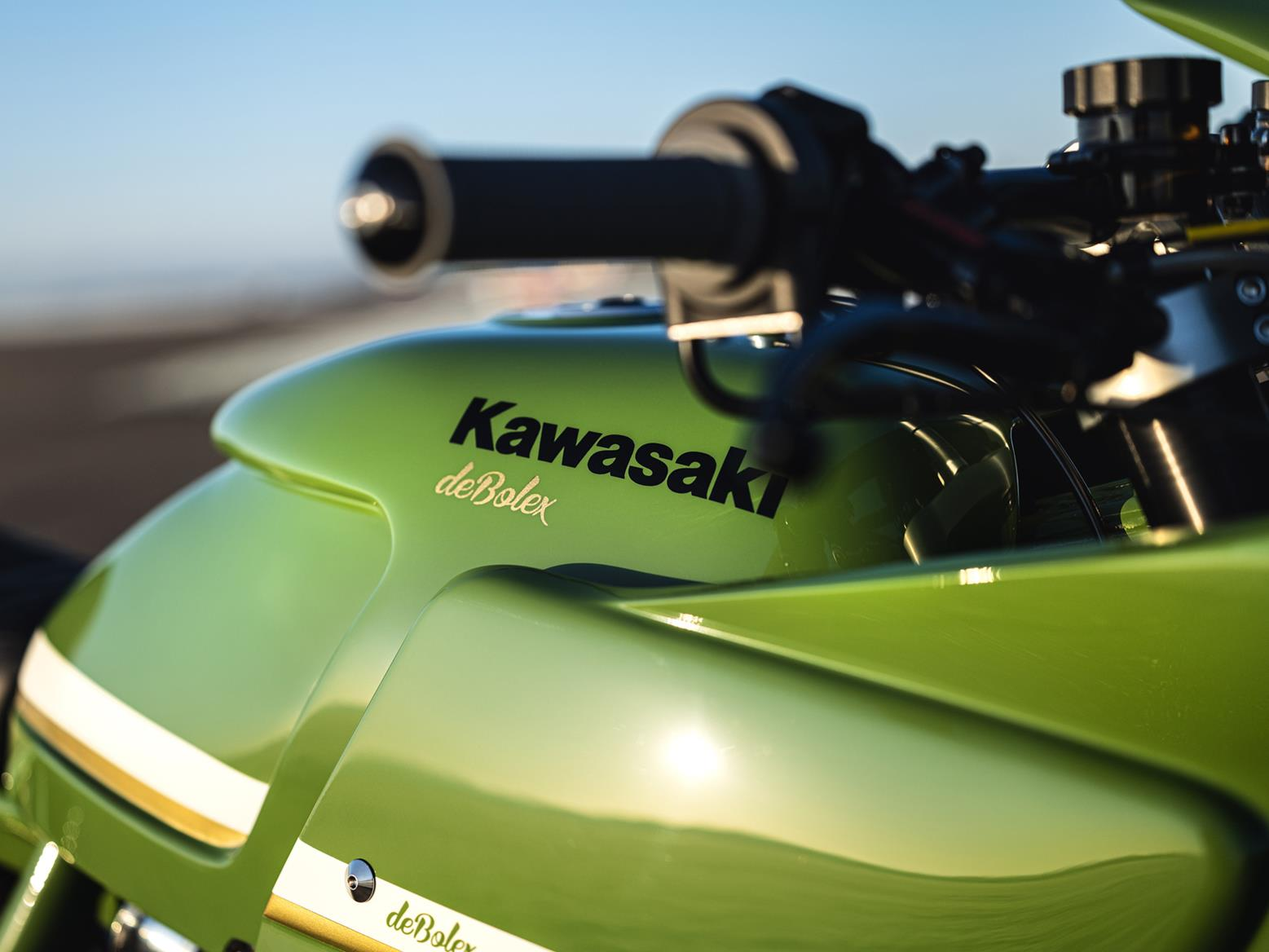 deBolex Kawasaki ZRX1200R fuel tank