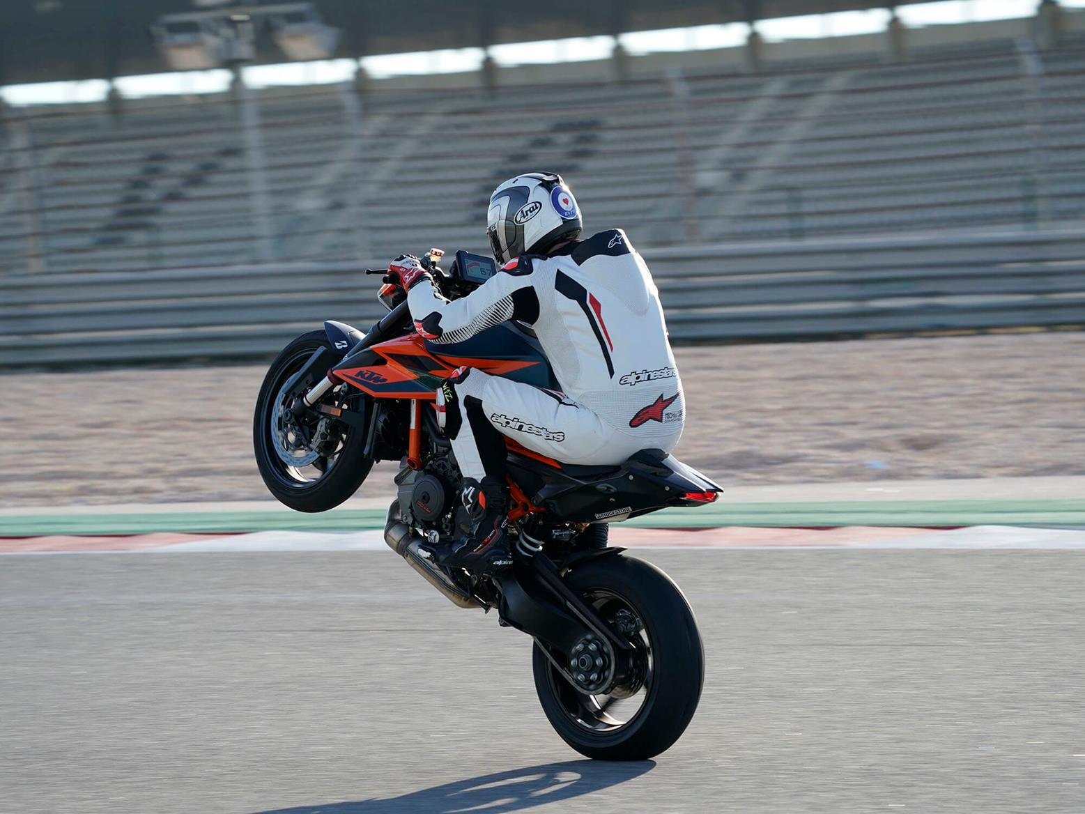 KTM 1290 Super Duke R rear wheelie