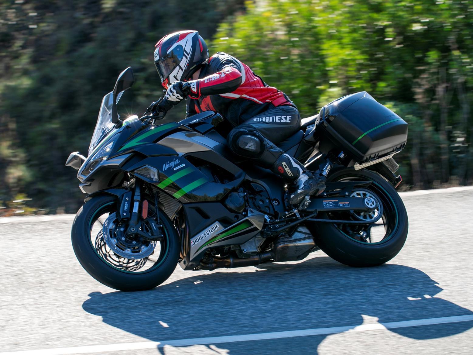 Kawasaki Ninja 1000SX side view