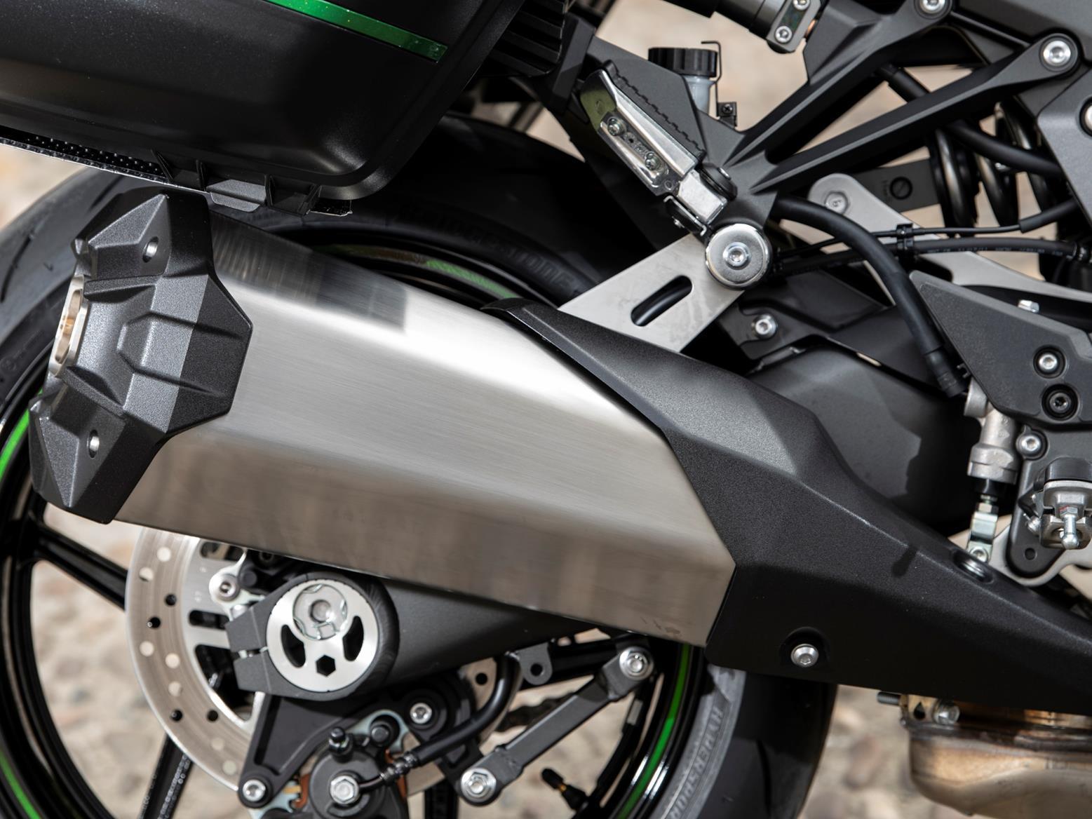 Kawasaki Ninja 1000SX exhaust