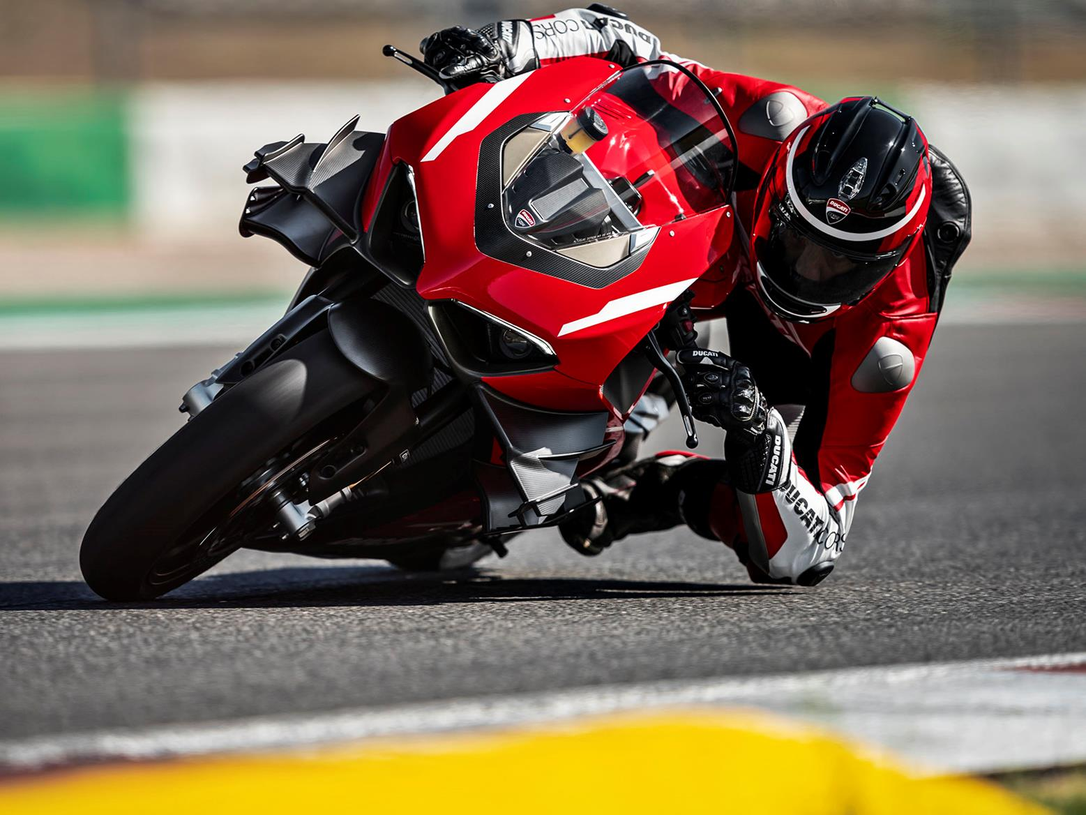 Ducati Superleggera V4 on the track