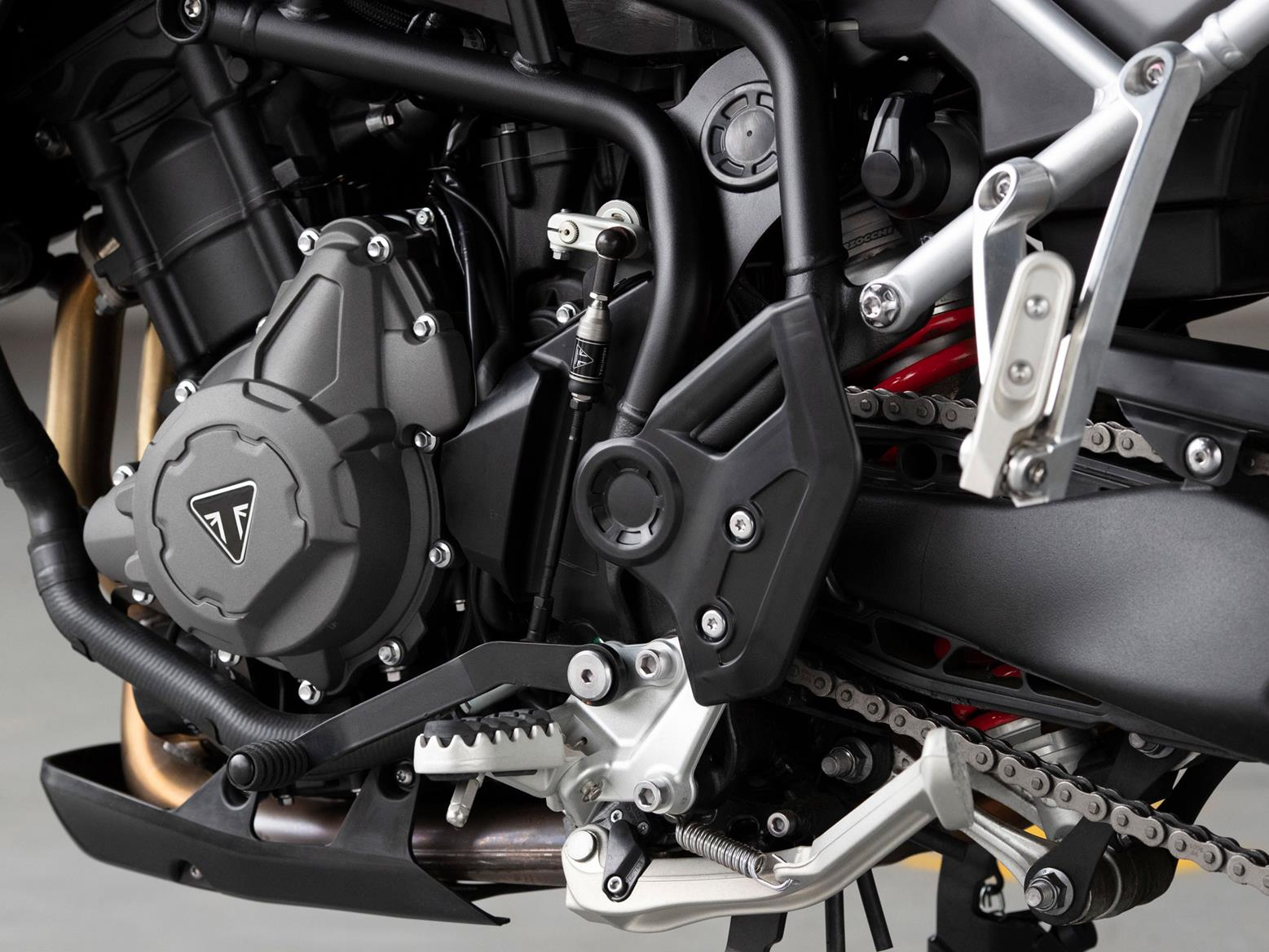 Triumph Tiger 900 GT Pro engine