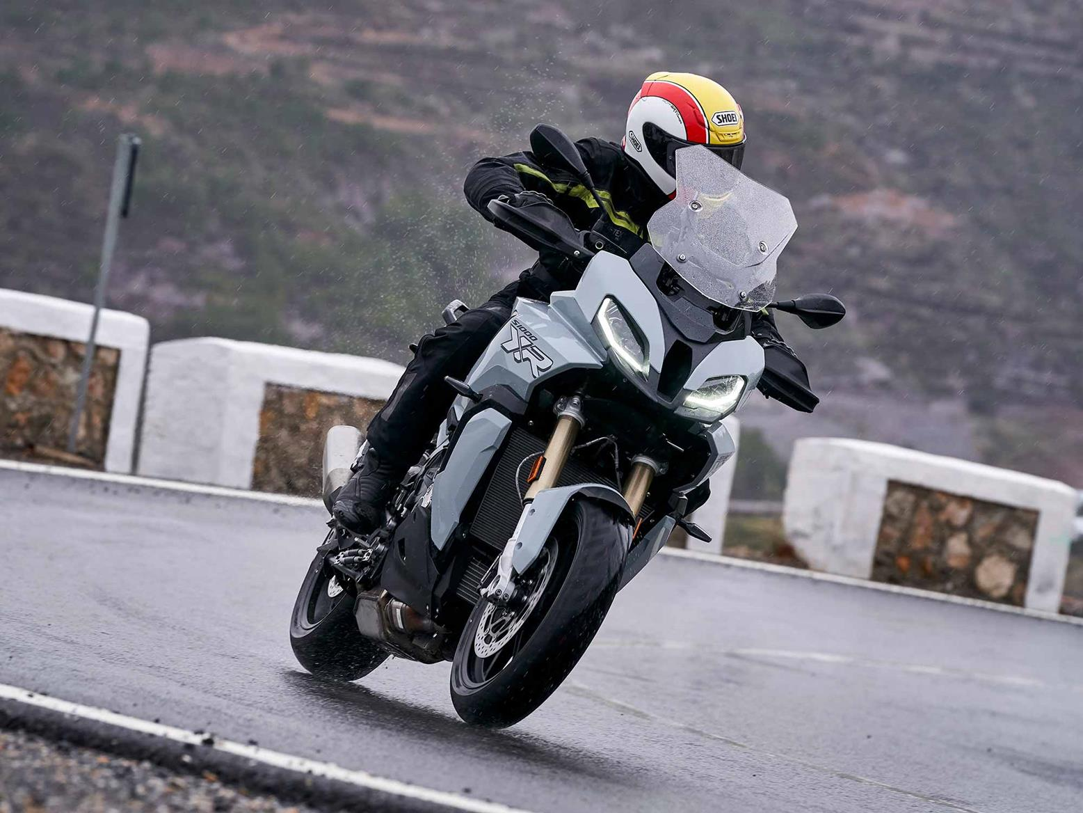 Cornering on the BMW S1000XR