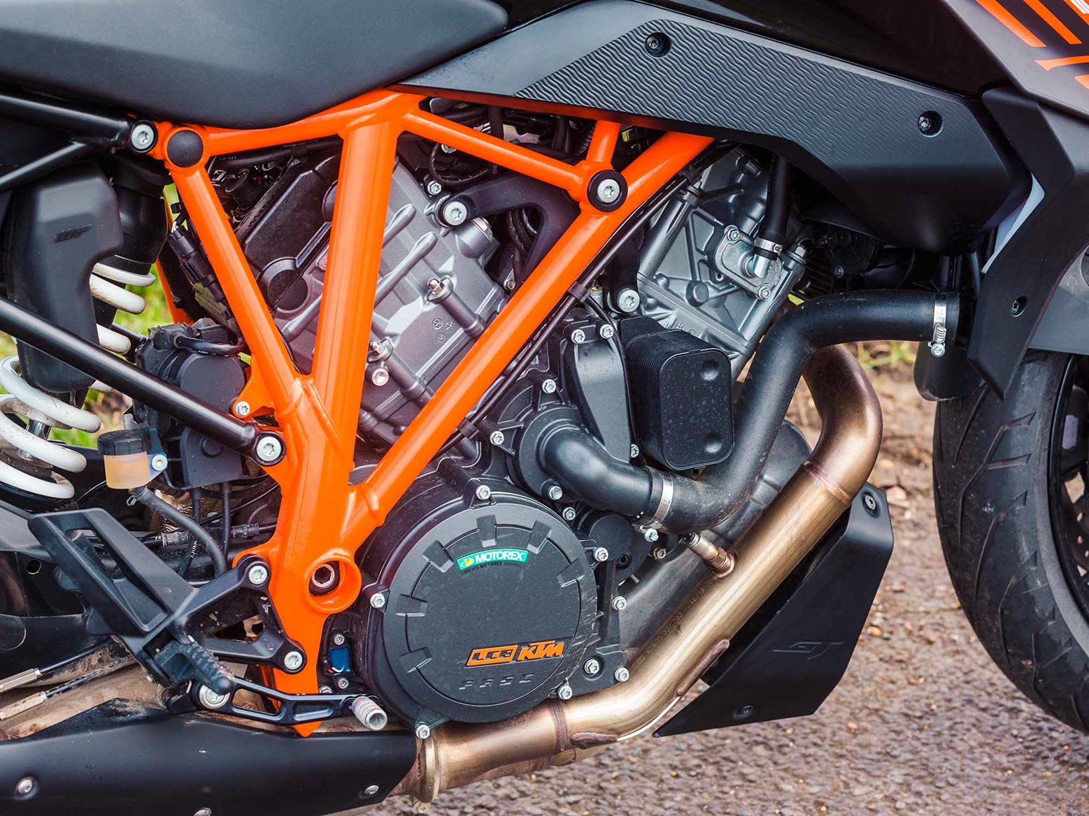 KTM 1290 Super Duke GT engine