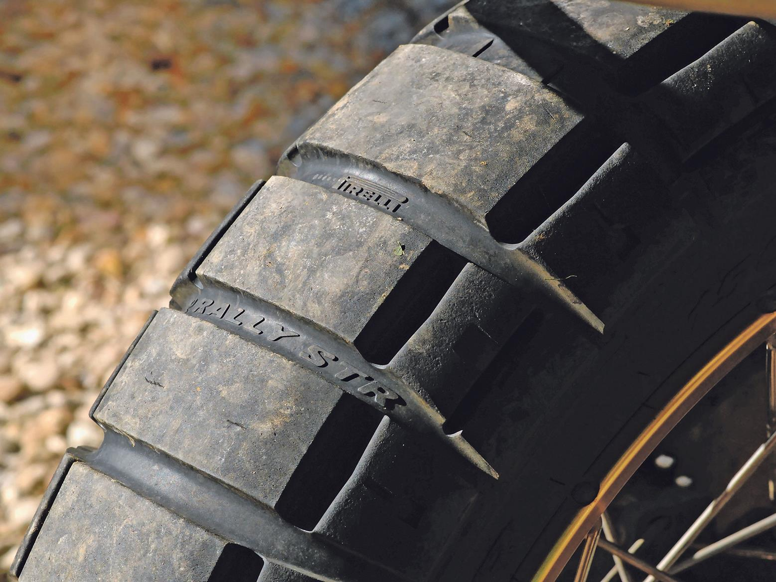Pirelli Rally STR tyres replace the OE Metzeler Karoo Street