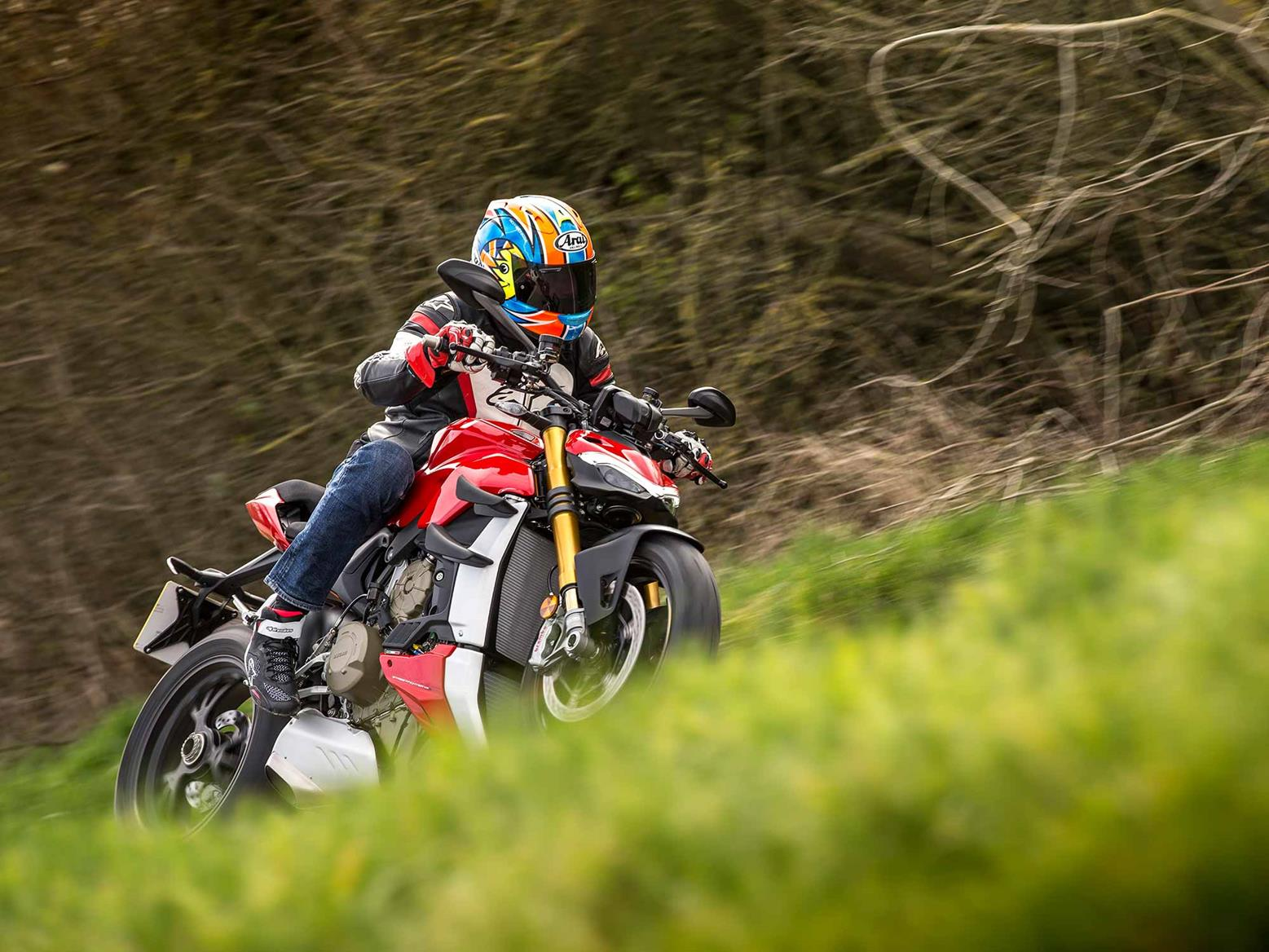 Cornering on the Ducati Streetfighter V4 S