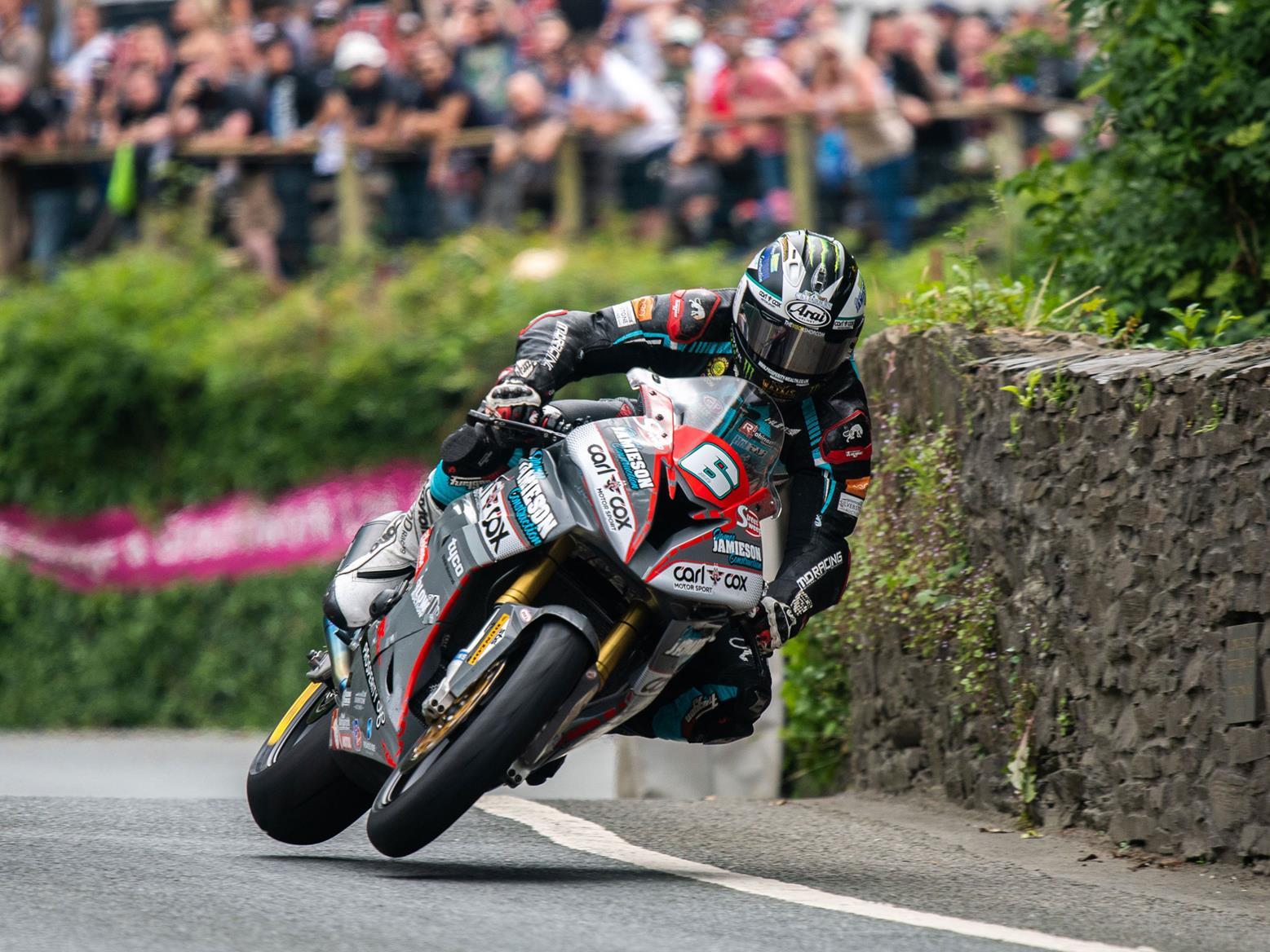 2018 Michael Dunlop win in Superstock TT
