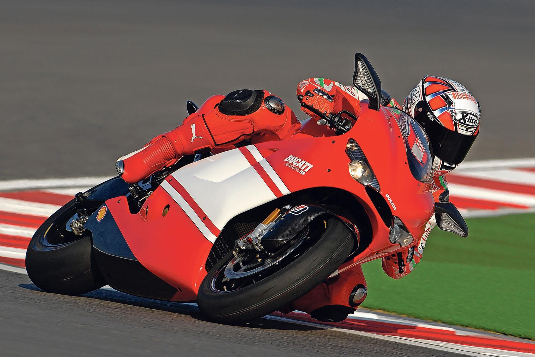 Ducati launch the Desmosedici D16 RR