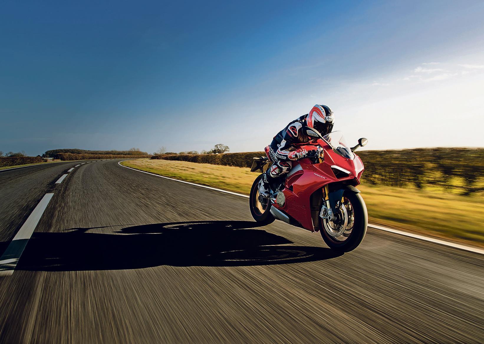 Ducati Panigale V4 arrives