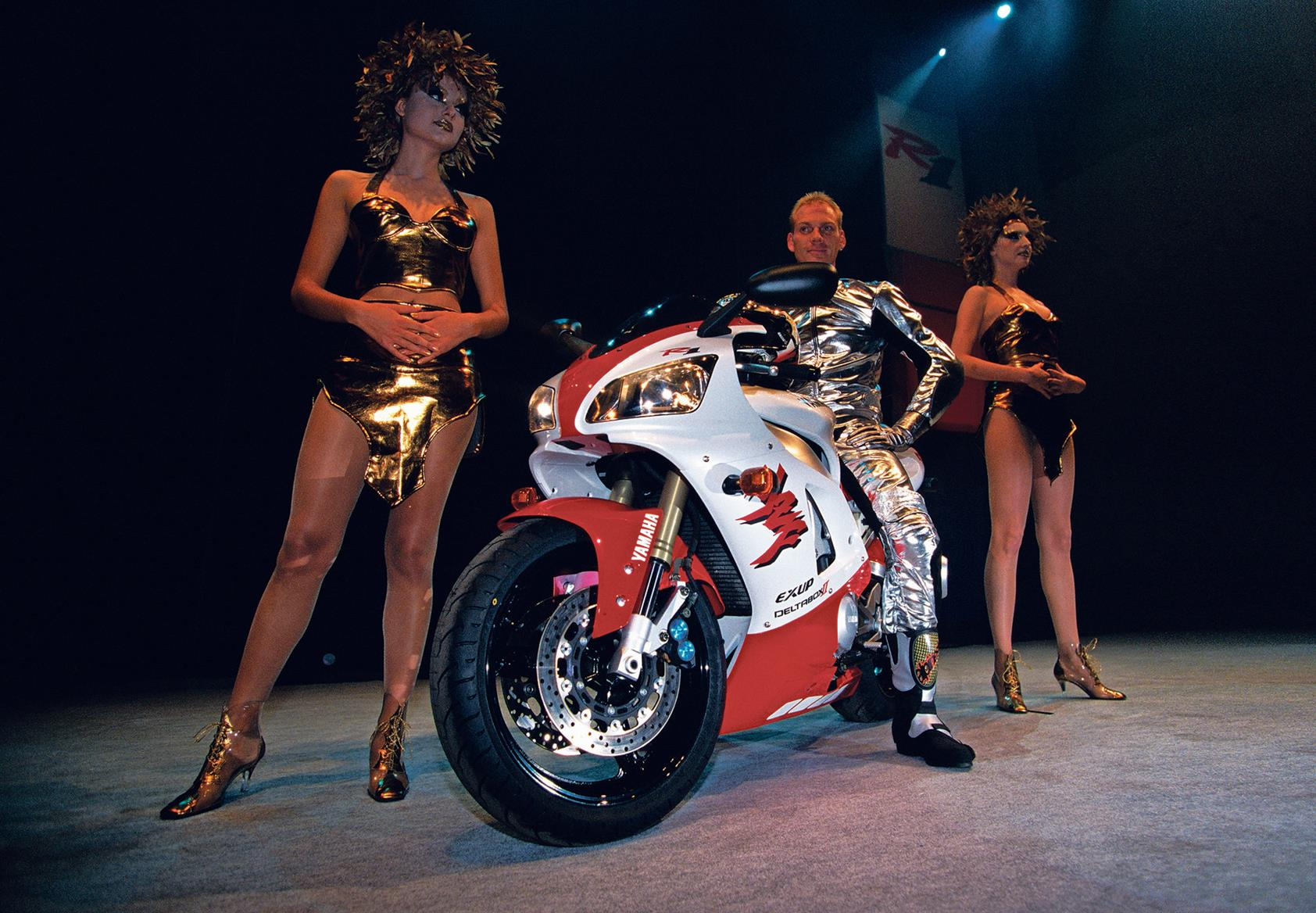 Launch of the 1998 Yamaha YZF-R1