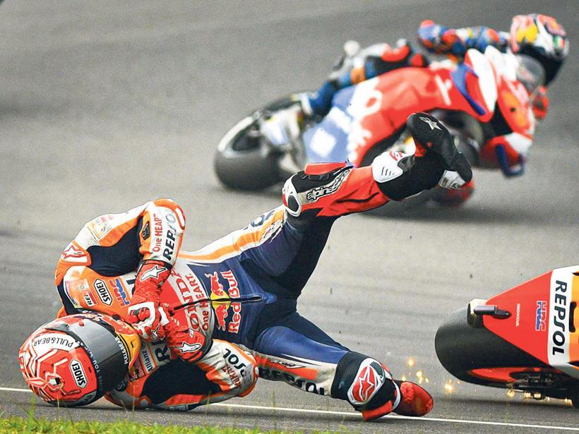 [Imagem: marquez-crash-02.jpg]