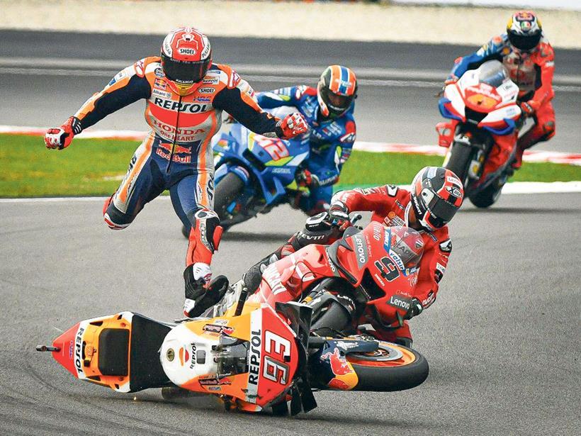 [Imagem: marquez-crash-03.jpg]