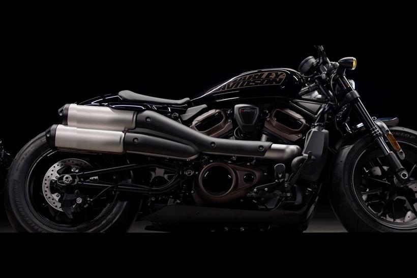 Harley-Davidson 1250 Custom side