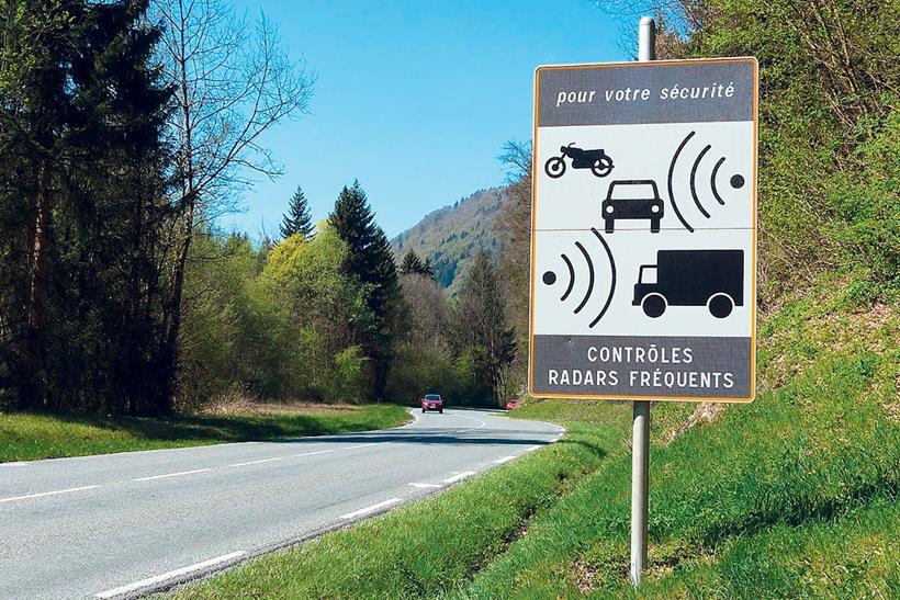 France speed camera warning sign