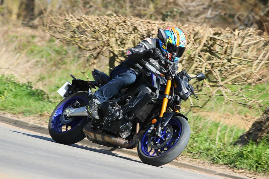 Danh gia Yamaha MT09 SP 2021 - 4