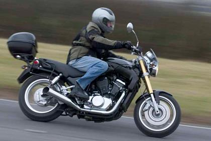Sachs Roadster 800 motorcycle review - Riding