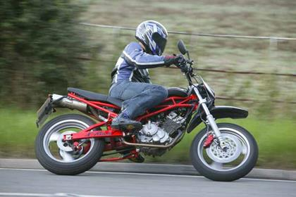 Sachs X-Road motorcycle review - Riding
