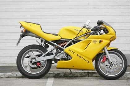 Sachs XTC125 motorcycle review - Side view