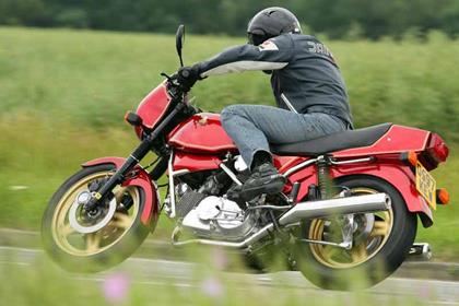 Hesketh V1000 motorcycle review - Riding