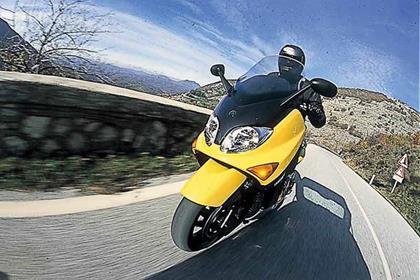 Yamaha YP500 T-Max motorcycle review - Riding