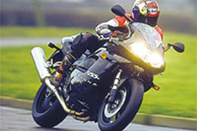 928765723553?quality=50 what's caused 955 daytona electrics to overheat? mcn 2002 Triumph Tiger 955I Review at gsmx.co