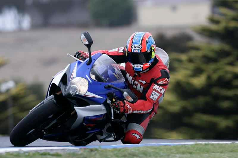 Suzuki Gsx R1000 2007 2008 Review Specs Amp Prices Mcn