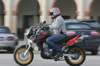 Aprilia Pegaso Factory motorcycle review - Riding