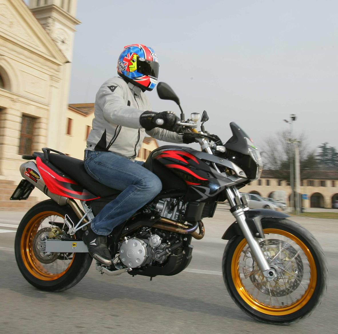 APRILIA PEGASO FACTORY (2007-2009) Review | MCN