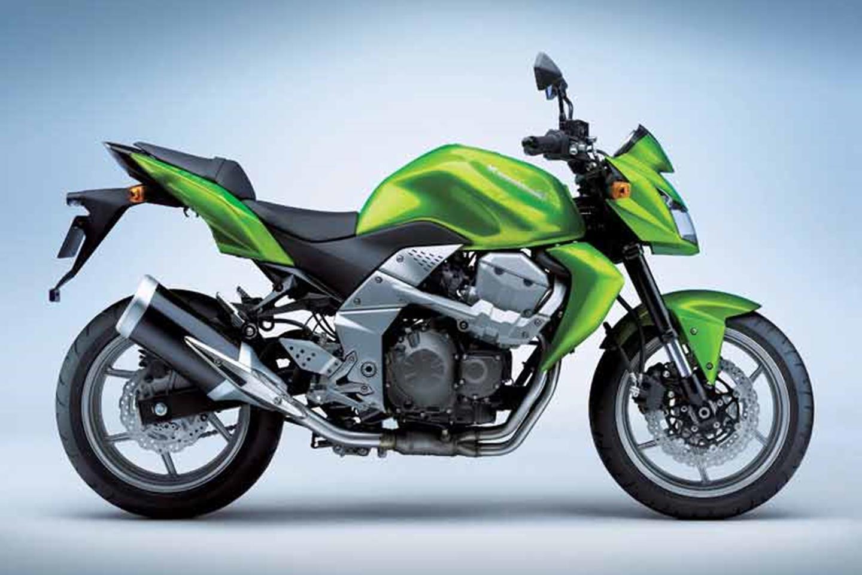 Kawasaki Z750 static studio shot