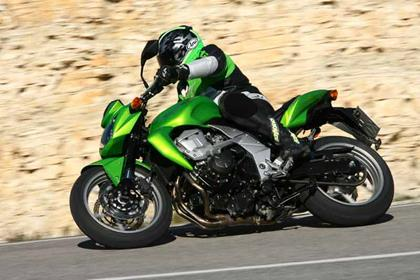 Kawasaki Z750 motorcycle review - Riding