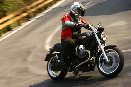 Moto Guzzi Bellagio motorcycle review - Riding