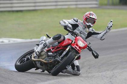 Ducati Hypermotard motorcycle review - Riding