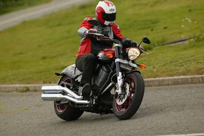 Victory Hammer S motorcycle review - Riding