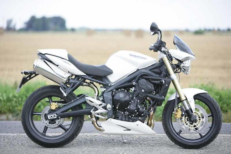 TRIUMPH STREET TRIPLE 675 (2007-on) Review | MCN
