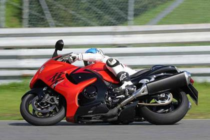 Suzuki GSX1300R Hayabusa review action