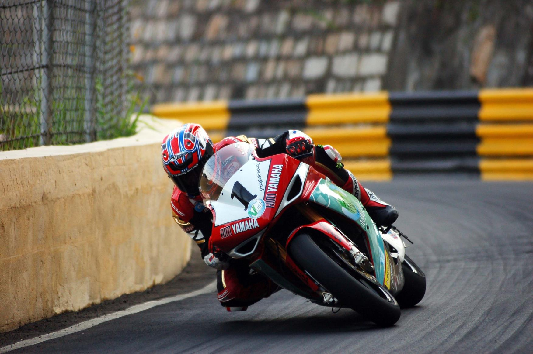 macau grand prix steve plater wins in macau mcn. Black Bedroom Furniture Sets. Home Design Ideas