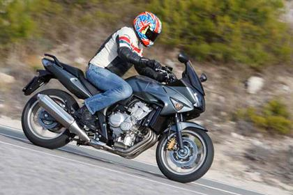 Honda cbf600 review action