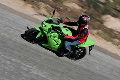 Kawasaki 250R Ninja review action