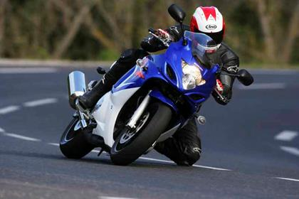 Suzuki GSX650F review action
