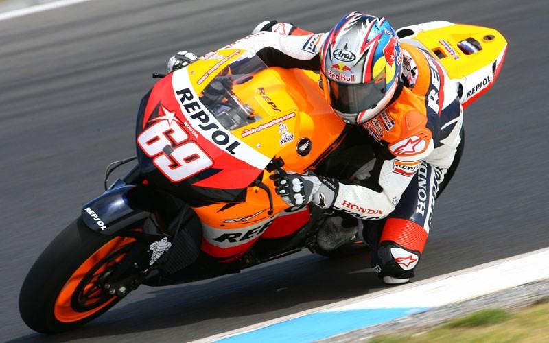 Jerez Motogp Nicky Hayden Back On 2008 Honda Mcn